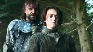 Arya Stark y el perro Sandor Clegane